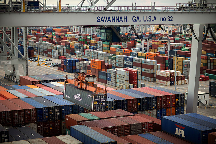 Containers loaded at Savannah Port